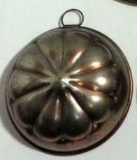 Oude ronde koperen bakvorm