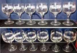 Zes vintage wijnglazen
