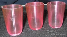 Friesch draadglas roze glaasjes