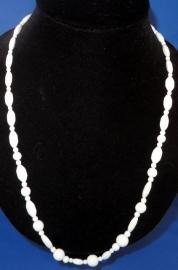 Witte glaskralen halsketting