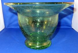 Grote glazen vaas met luchtbellen