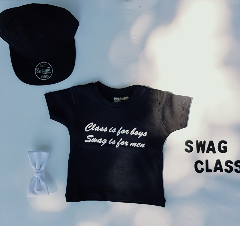 T-shirt 'Class is for boys'