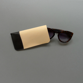MINIMAL sunglasses cover - veg tanned natural leather  / dip dyed