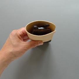 brilhoes - plantaardig gelooid leer / naturel & zwart