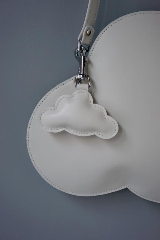 CLOUD hanger - off white