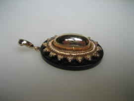 Antieke Engelse Gouden Onyx Edelsteen Hanger ca.1900