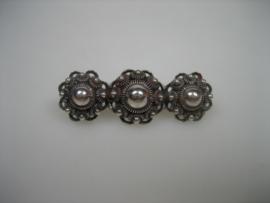 Antieke Zilveren Zeeuwse Brugspeld met 3 Knoppen ca.1890