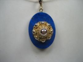 Antieke Gouden 14 krt. Zeeuwse Knophanger met Lapis Lazuli ca.1907