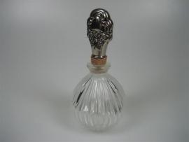 Kristallen Oude Parfumflacon met Zilveren Stop ca.1935