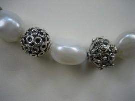 Parels Zilver collier met zilveren stukken