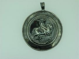 Antieke Zilveren Hanger met Groot Zilveren Hangoog