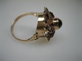Antieke gouden 14krt. Granaat damesring ca.1870