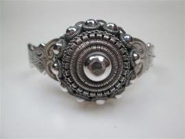 Antieke Zilveren Zeeuwse Slavenarmband