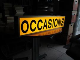 Lichtbak met occasions Tekst Occasions met binnen verlichting.