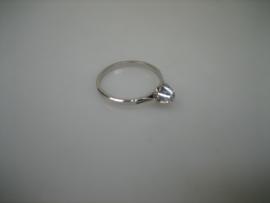 14 karaat witgouden ring briljant 0.03 crt solitair