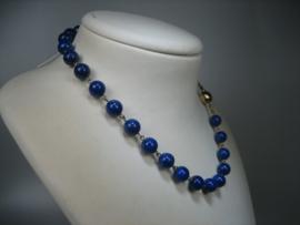 Lapis-Lazuli collier met 14 krt. gouden bolsluiting
