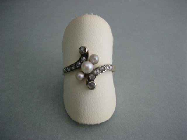 Antieke 18krt. Diamanten damesring met echte Parels ca.1880