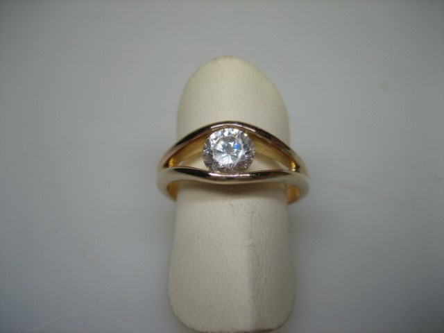 Doublé Herenring met Grote Witte Spinel