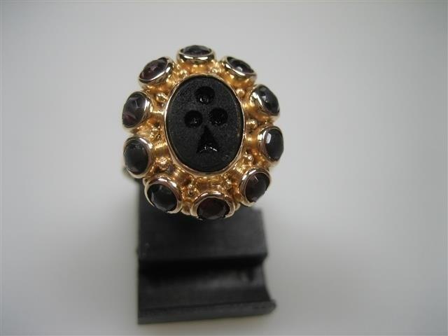Antieke gouden 14krt. Granaat met Onix ca.1900