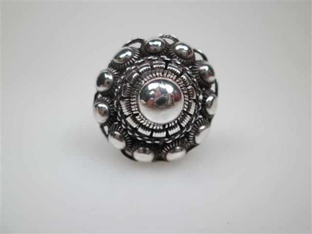 Antieke Zeeuwse zilveren damesring ca.1899