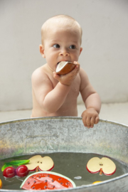 OLI & CAROL bad- en bijtspeeltje - Appel