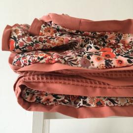 Boxkleed/ Speelkleed Little Flowers