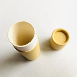 Lippenbalsem stick van karton