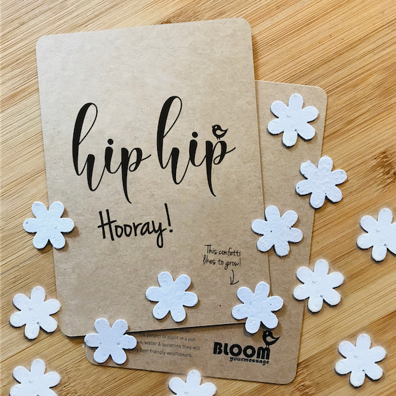 "Bloeikaart van BLOOM your message ""Hip Hip Hooray!"""