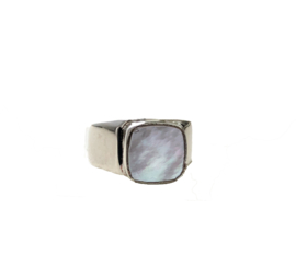 Mother of pearl signet ring zilver