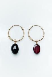 Cut oval gemstone pendant earring goud