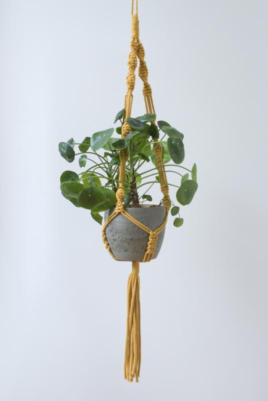Plantenhanger okergeel