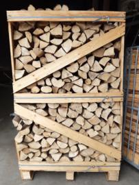 2 kuub Ovengedroogd strak gestapeld beuken openhaardhout