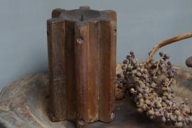 Kandelaar van hout (Dicht model)