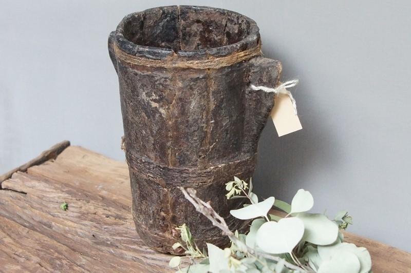 Black houten oliepot