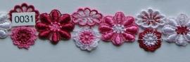 Kant rood/rose/wit bloem 3 cm breed.