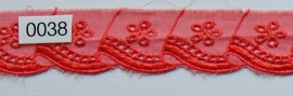 Kant licht rood broderie 3 cm breed.