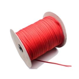 Rijgveter polyester van de rol 4 mm breed wit, zwart of rood.