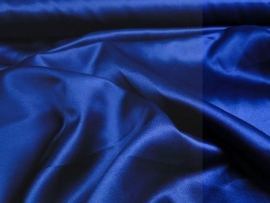 Satijn donker blauw 150 cm. breed (prijs per 50 cm.)