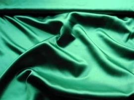 Satijn donker groen 150 cm. breed (prijs per 50 cm.)