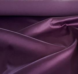 Satijn donker paars 150 cm. breed (prijs per 50 cm.)