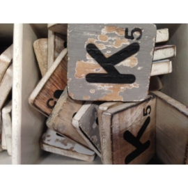 Vintage scrabble letter K 6x6cm