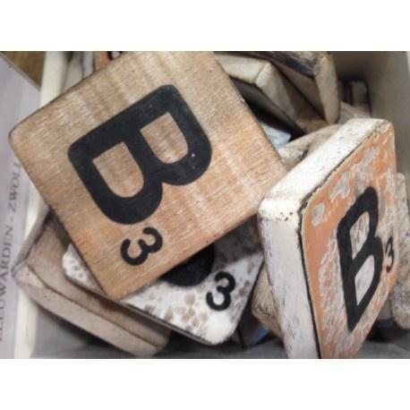 Vintage scrabble letter B 6x6cm