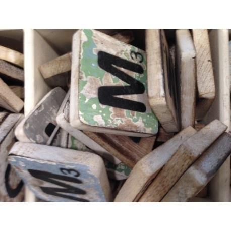Vintage scrabble letter M 6x6cm