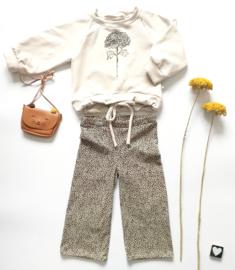 Isa Sweater pofmouw met bloem