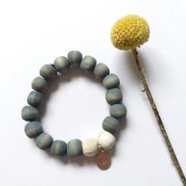 Houten kralen armband blauw grijs