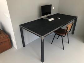 Metalen tafel Zagan vintage dark black