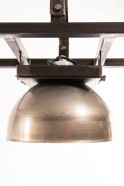INDUSTRIËLE EETTAFEL LAMP POZNAN  MET X METALEN KAPPEN