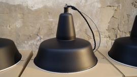 INDUSTRIELE LAMP 32CM ENAMEL ELKE KLEUR MOGENLIJK