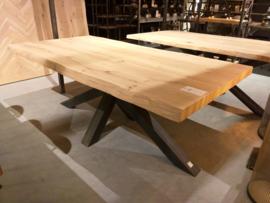 Boomstam tafel Katy 6cm dik met matrix onderstel