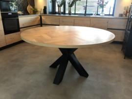 Ronde visgraat eiken tafel Lawica div onderstellen